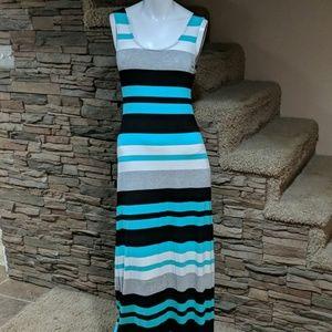 ↔️ merona maxi dress size small
